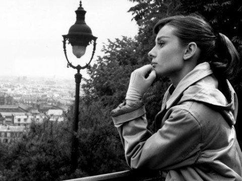 Audrey-Hepburn-classic-movies-10838476-512-384