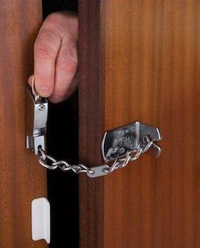 chain door